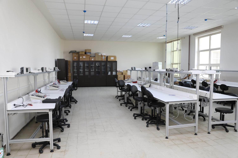 Üniversitemiz Elektrik Elektronik Mühendisliği Bölümü Araştırma Laboratuvarı Hizmet Vermeye Devam Ediyor