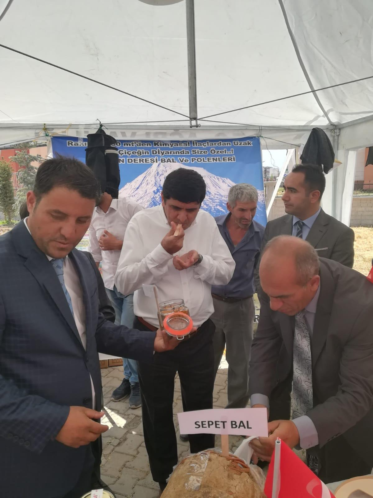 Rektör Alma, Ağrı'da Yapılan 2. Bal Festivaline Katıldı
