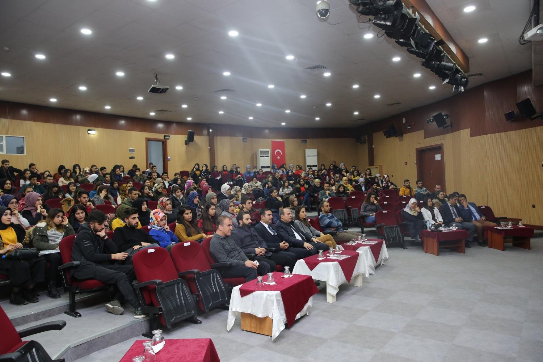 Üniversitemizde Kariyer Günleri Söyleşi Programı Gerçekleştirildi