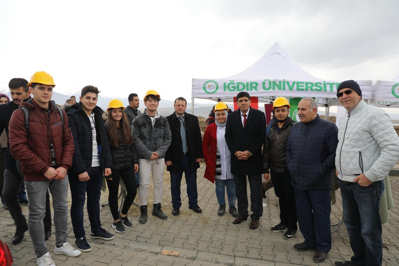 Üniversitemizde Yapılacak Atölyeler İçin Temel Atma Töreni Yapıldı