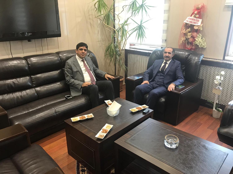 Rektör Alma'dan Kars Kafkas Üniversitesi Rektörü Prof. Dr. Hüsnü Kapu'ya Hayırlı Olsun Ziyareti
