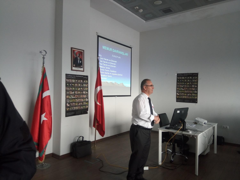 Üniversitemiz Akademisyenlerinden Dr. Öğr. Üyesi Ali Kuyaksil, Dilucu Gümrük Müdürlüğü Personeline Eğitim Verdi