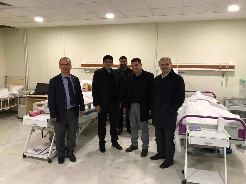 Archem Diagnostic Yönetim Kurulu Başkanı Dr. Salih Uca, Üniversitemiz Simülasyon Laboratuvarında İncelemelerde Bulundu