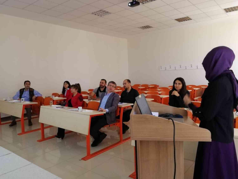 DİL ve EDEBİYAT SÖYLEŞİLERİ adlı seminerlerden altıncısı gerçekleştirildi..