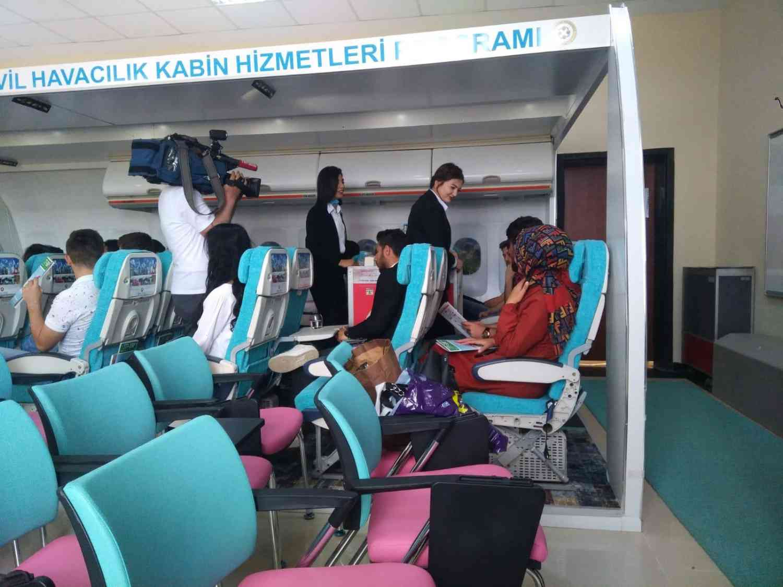 TRT Haber Mock-Up Sınıfından Canlı Yayına Bağlandı