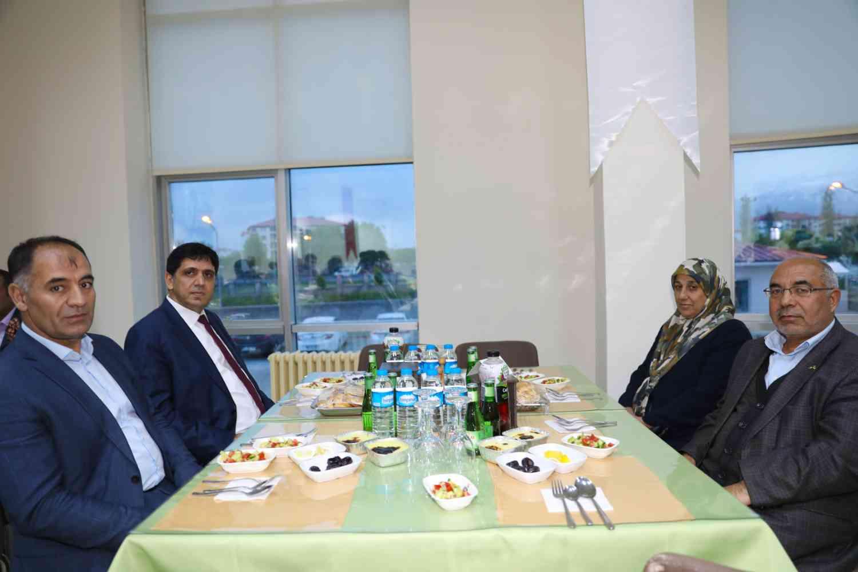 Rektör Alma, Şehit ve Gazi Aileleri Onuruna Verilen İftar Programına Katıldı