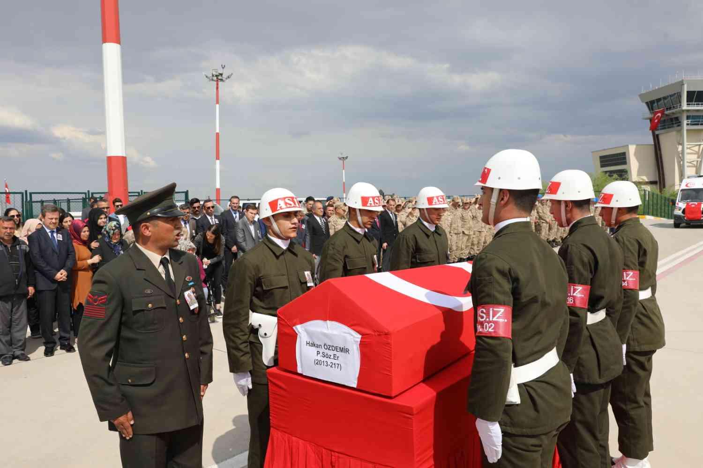 Rektör Alma Şehit Er Hakan Özdemir İçin Düzenlenen Uğurlama Törenine Katıldı