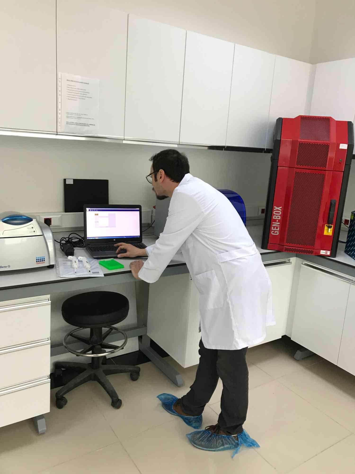 Biyoteknoloji ve Moleküler Genetik Laboratuvarında Çalışmalar Başladı