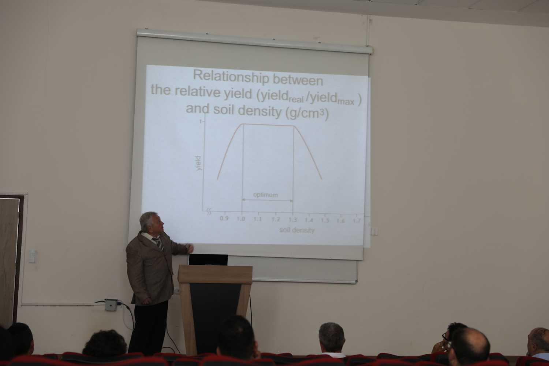 """Üniversitemizde """"Modern Agrophysical Soil Researches"""" ve """"Digital Agrophysical Methods of Soil Research"""" Konulu Seminer Düzenlendi"""