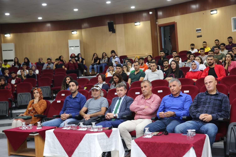 Üniversitemizde 'Amatör Sporların Ülke Sporuna Katkıları' Konulu Konferans Düzenlendi