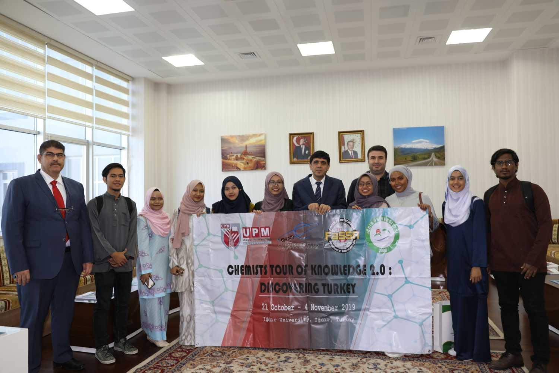 Malezyalı Öğrenciler Üniversitemizi ve Rektörümüzü Ziyaret Etti