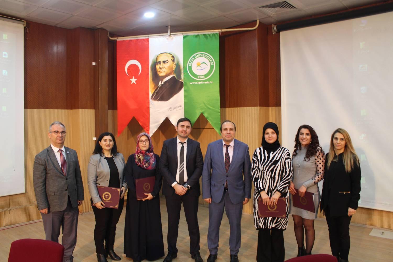 """Iğdır Üniversitesinde """"Toplumsal Hayatta Kadın"""" Paneli Düzenlendi"""