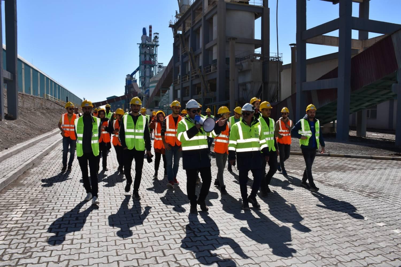 Iğdır Üniversitesi Yapı Topluluğu Ağrı Çimento Fabrikasına Gezi Düzenledi