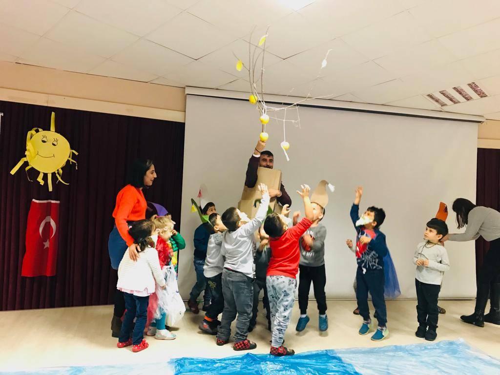 Çocuk Gelişimi Bölümü Öğrencileri Hazar Kolejinde Drama Etkinliği Düzenledi.